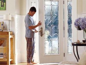 Как правильно выбрать стеклянную дверь